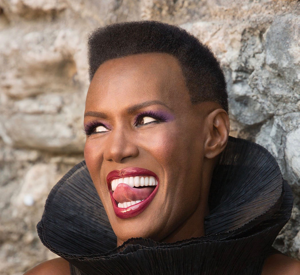GRACE JONES RECEIVES THE VOICE OF A WOMAN AWARD | THE ...